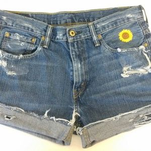 Levi's Jean shorts with sunflower
